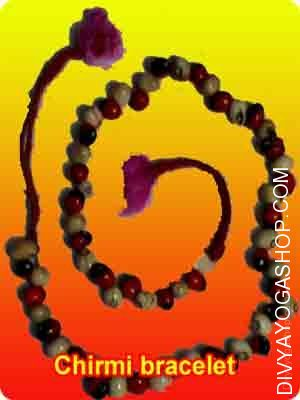 Mix chirmi bead (black-red-white) bracelet